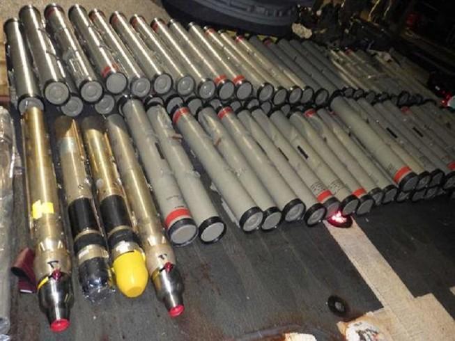Số vũ khí được cho là do Iran thiết kế và sản xuất bị Hải quân Mỹ bắt giữ ngày 9-2-2020. Ảnh: MILITARY.COM