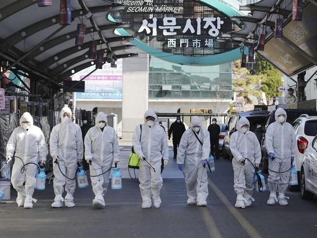 Sáng 24-2, Hàn Quốc ghi nhận thêm 1 ca tử vong và 161 ca nhiễm mới COVID-19. Ảnh: YONHAP