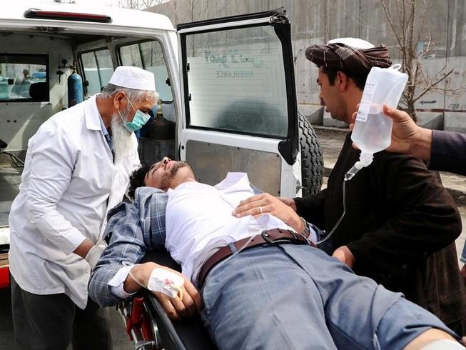 Các tay súng IS đã nổ súng trong một lễ tưởng niệm ở thủ đô Kabul, Afghanistan làm 113 người thương vong. Ảnh: REUTERS