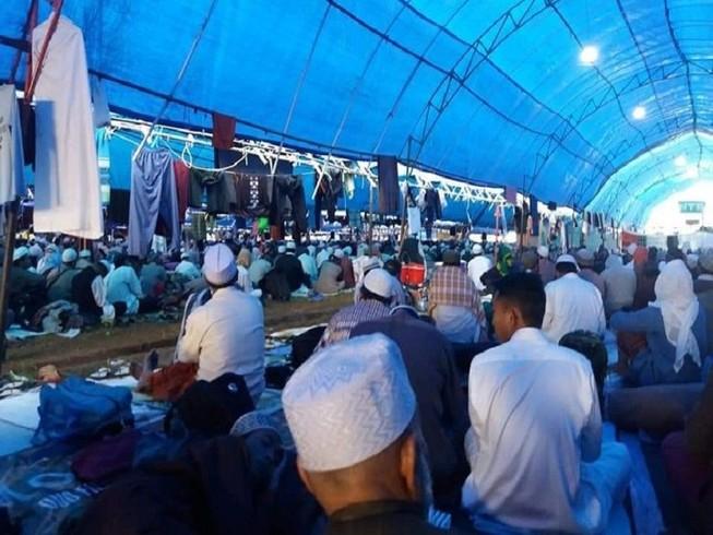 Hình ảnh các tín đồ tham dự một sự kiện của đạo Hồi tại tình Nam Sulawesi, Indonesia hôm 19-3. Ảnh: THE STRAITS TIMES