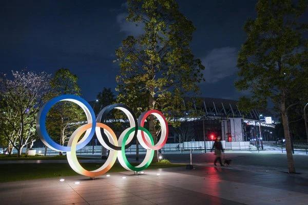 Thủ tướng Nhật Shinzo Abe tuyên bố Thế vận hội mùa hè sẽ được dời lại sang năm sau. Ảnh: THE NEW YORK TIMES