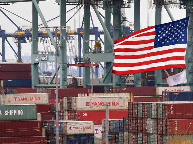 Các container hàng hóa Trung Quốc ở cảng Los Angeles, California, Mỹ. Ảnh: AFP
