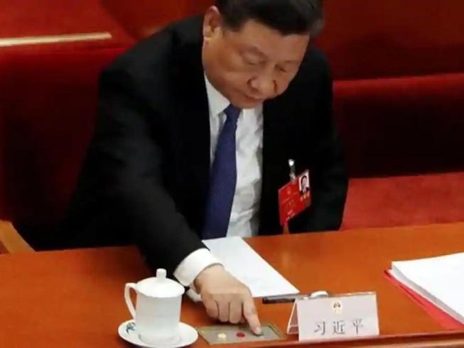 Chủ tịch Tập Cận Bình tham dự phiên họp Quốc hội Trung Quốc ngày 28-5. Ảnh: REUTERS