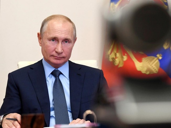 Tổng thống Nga Vladimir Putin trả lời phỏng vấn truyền hình Nga ngày 20-6. Ảnh: SPUTNIK