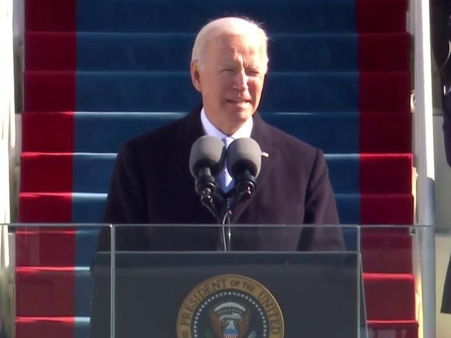 Tổng thống Joe Biden phát biểu nhậm chức bên ngoài toà nhà Quốc hội ngày 20-1. Ảnh: REUTERS