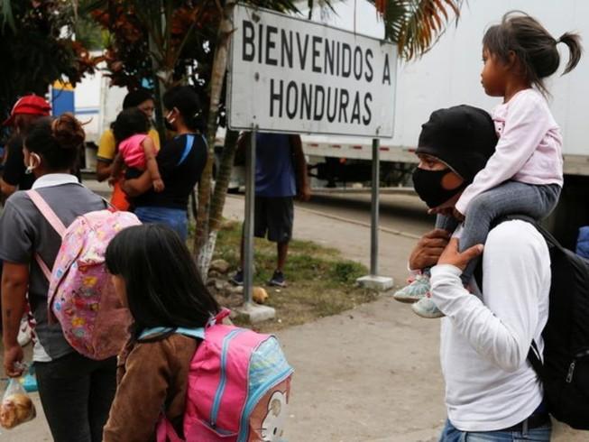 Những người di cư trên đường đến Mỹ với hy vọng một cuộc sống tốt đẹp hơn, ngày 19-1.