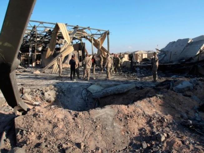 Các binh sĩ Mỹ tại khu vực căn cứ không quân Ain al-Asad bị Iran ném bom ở Anbar, ngày 13-1-2020.