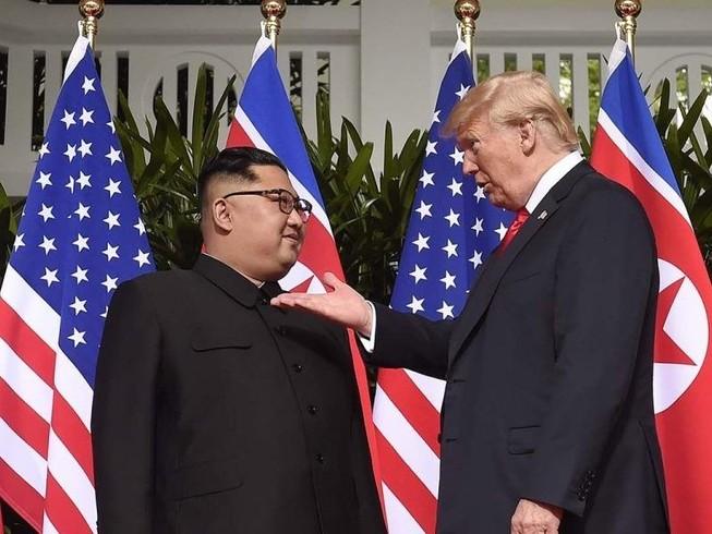 Cựu Tổng thống Donald Trump và Nhà lãnh đạo Triều Tiên Kim Jong-un. Ảnh: Saul Loeb/AFP