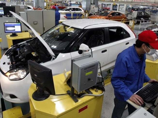 Nhà máy SAIC Motor ở Thượng Hải. Ảnh: REUTERS