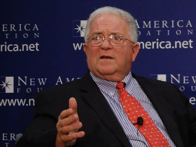 Cựu quan chức ngoại giao Mỹ Chas Freeman.