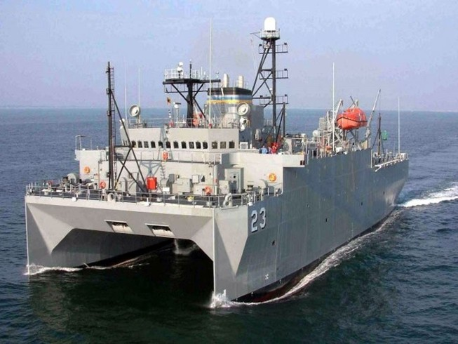 Tàu trinh sát USNS Impeccable của Mỹ hoạt động trên Biển Đông hồi tháng 3-2009. Ảnh: AP