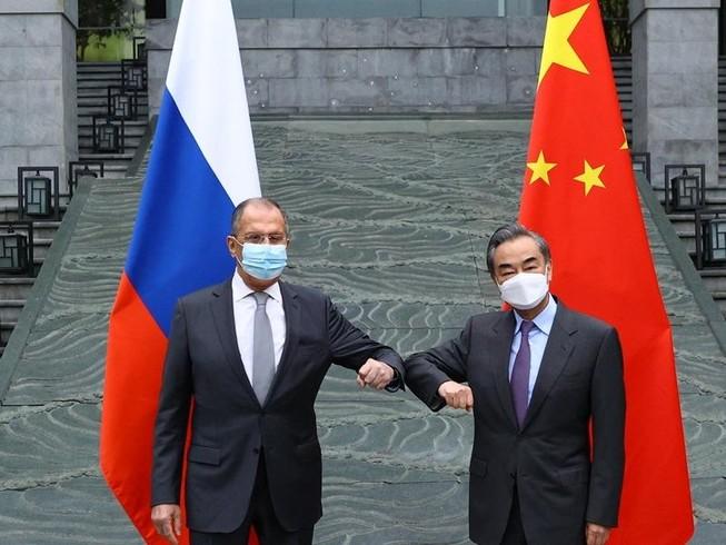 Nga không có ý định cùng Trung Quốc lập khối quân sự đối trọng với NATO. Ảnh: AFP