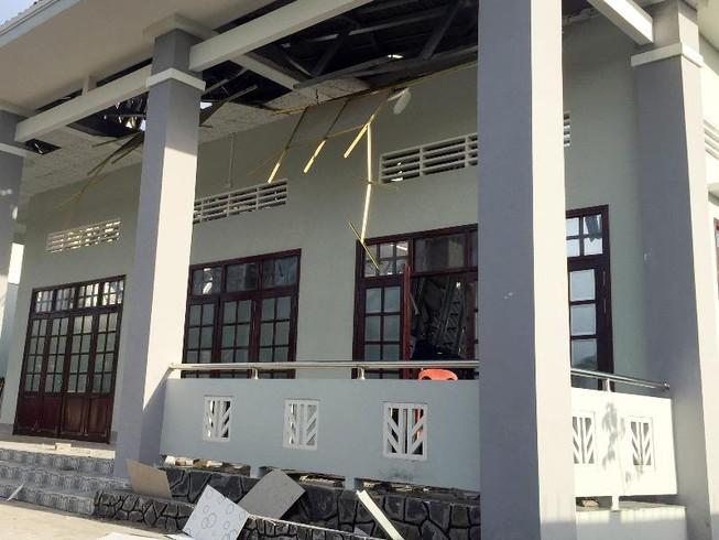 Vụ sập mái hội trường ở Hậu Giang: Đề nghị công an xử lý