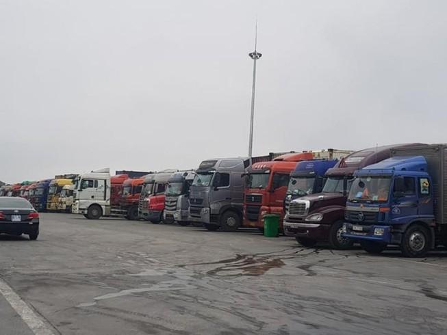 Tồn hơn 1.000 xe nông sản tại cửa khẩu vì thông quan chậm