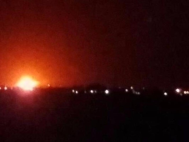 Nổ lớn ở kho vũ khí gần sân bay thủ đô Syria