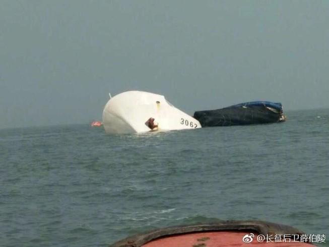 Tàu hải cảnh Trung Quốc bị tàu chở hàng đâm chìm
