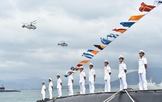 Thủ tướng dự lễ thượng cờ 2 tàu ngầm Đà Nẵng, BR-VT