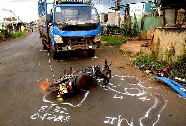 3 vụ TNGT làm 4 người chết ở khu vực nông  thôn trong 1 ngày