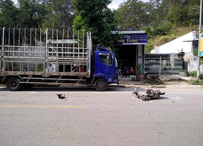 Xe máy đối đầu xe tải, 2 chị em ruột tử vong tại chỗ
