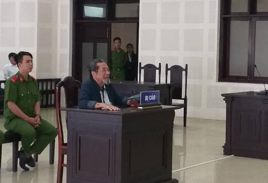 Cụ ông 83 tuổi lãnh án vì giả thông báo của lãnh đạo Đà Nẵng