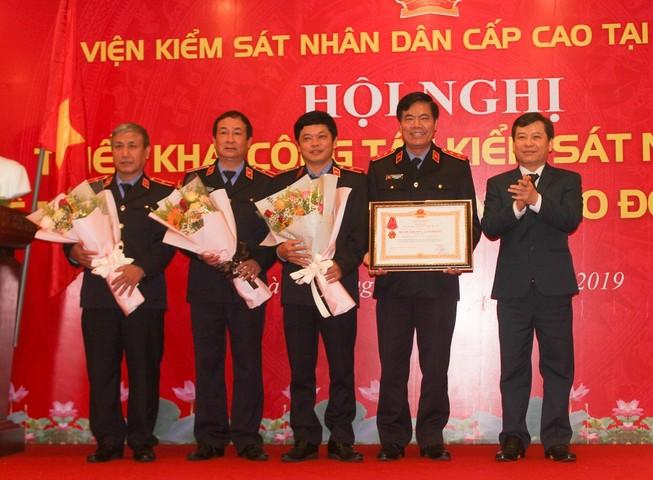 Viện cấp cao tại Đà Nẵng đón huân chương Lao động hạng Nhất