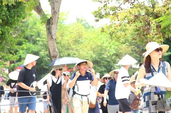 Đà Nẵng tạm dừng khai thác tour từ vùng có dịch của Hàn Quốc