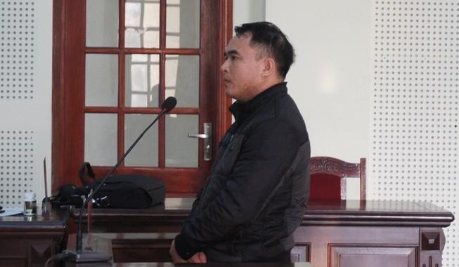 Bị cáo, luật sư nói còn đồng phạm, VKS nói 'không'