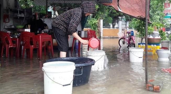 Cho bơm nước sông, bệnh viện vẫn thiếu nước phục vụ chạy thận