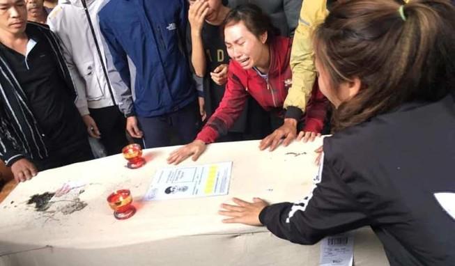 Nghệ An, Hà Tĩnh điều xe cứu thương ra Nội Bài nhận thi hài