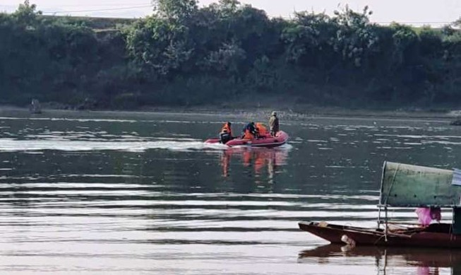 Đang tìm kiếm 2 người đàn ông mất tích trên sông Lam