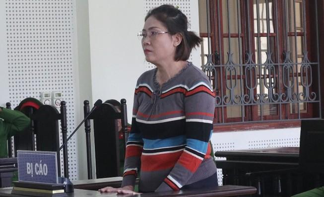 Y án 5 năm tù cho nữ bị cáo 'đưa người sang Anh'