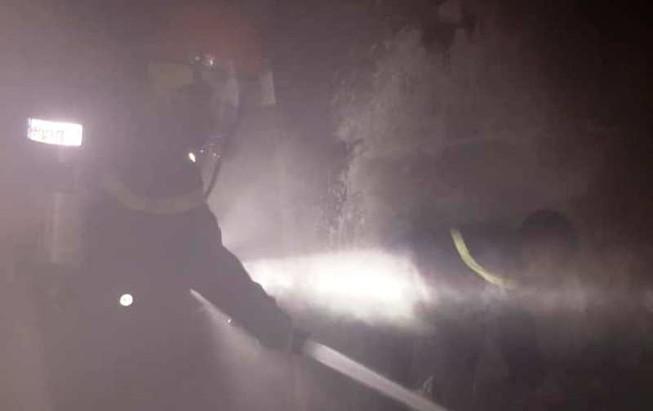 Giải cứu cụ bà 80 tuổi khỏi đám cháy tại tầng 2 ngôi nhà