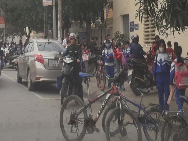 Hà Tĩnh cho 700 trường nghỉ học, Nghệ An vẫn học bình thường