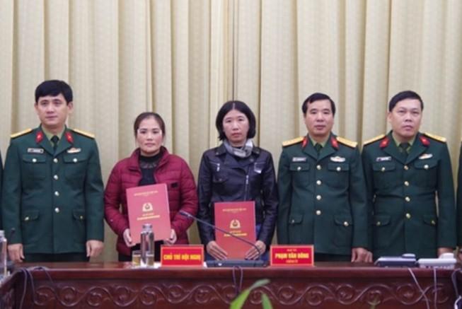 Vợ của 4 liệt sĩ đoàn 337 được tuyển dụng vào quân đội