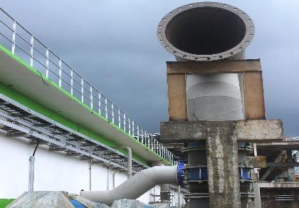 Một trong các ống của hệ thống xử lý nước thải của Lee&Man Việt Nam