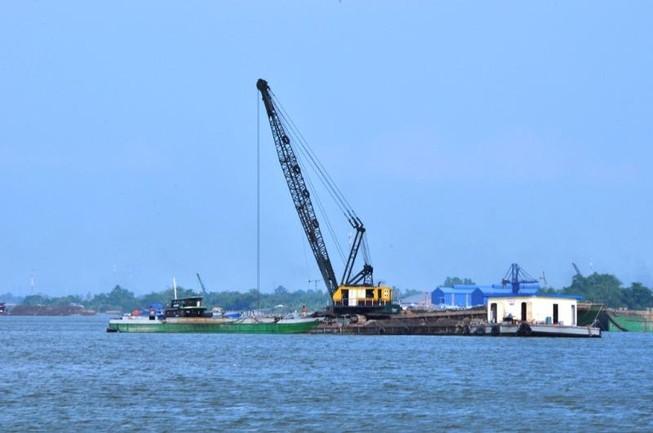 Đồng Tháp phối hợp với các tỉnh triệt khai thác cát lậu