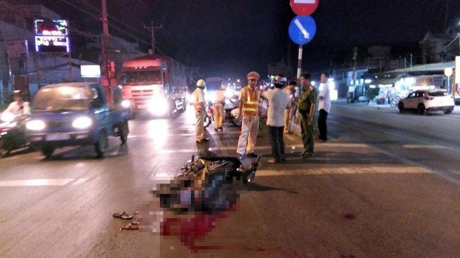 Truy tìm xe đầu kéo rời khỏi hiện trường sau tai nạn