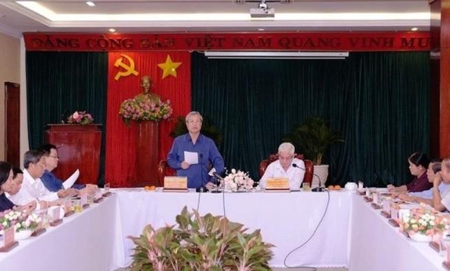 Ông Trần Quốc Vượng làm việc với lãnh đạo tỉnh Bình Phước