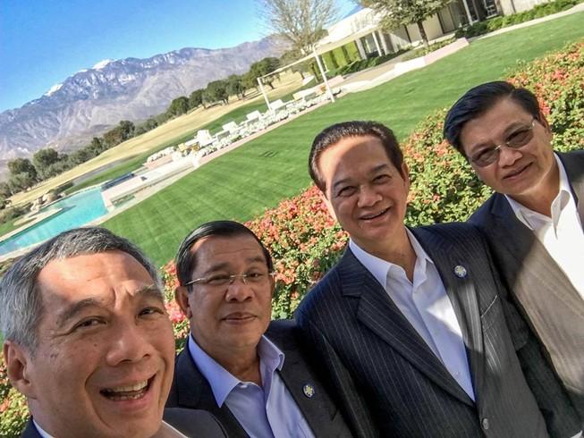 Thủ tướng Nguyễn Tấn Dũng chụp 'selfie' với các lãnh đạo ASEAN