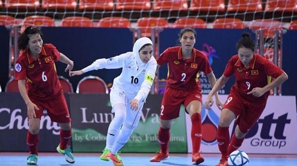 Tuyển Việt Nam quyết đấu Thái Lan, giữ nòng cốt cho SEA Games