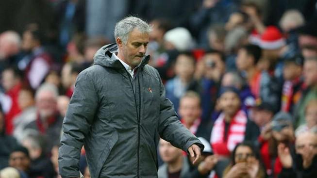 Man United đá như muốn Mourinho bị sa thải
