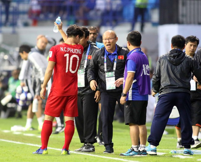 HLV Park Hang-seo thua vẫn tự hào