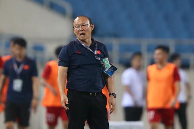 Thầy trò ông Park Hang-seo thoát nhóm… vô hại