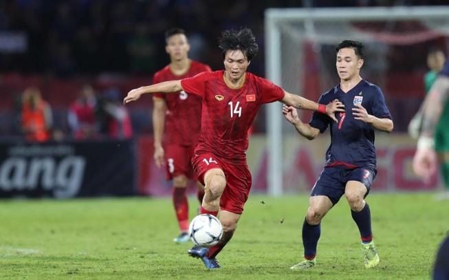 Thầy trò ông Park không chỉ đối đầu với Thái Lan…