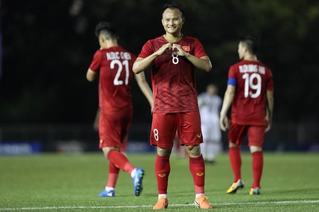 Học trò ông Park bắt buộc ghi nhiều bàn vào lưới Singapore