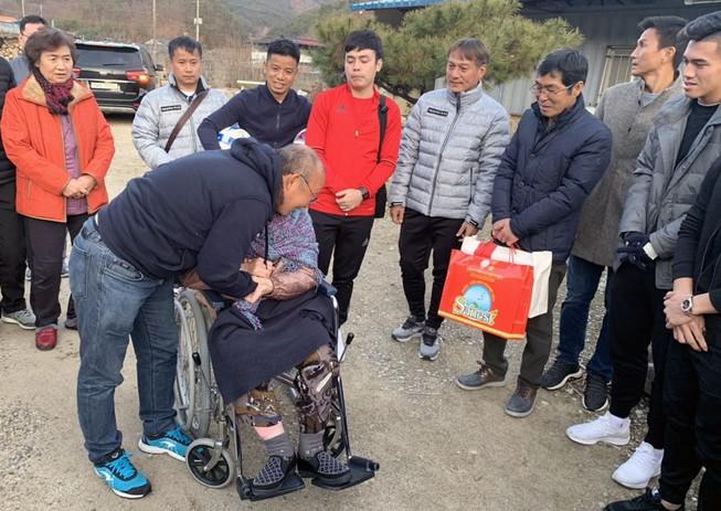 Ông Park ở lại Hàn Quốc đón Noel, tuyểnU-23 Việt Nam về TP.HCM