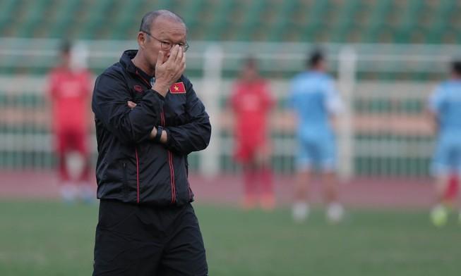 Thua Bahrain 1-2, thầy trò ông Park chấm dứt kỷ lục bất bại