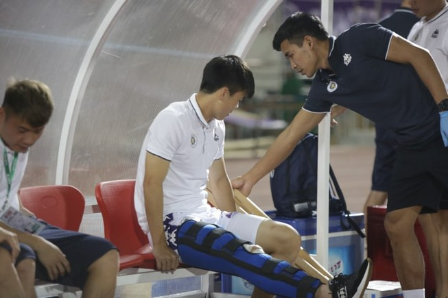 Nóng: Thầy Park mất thêm trung vệ Duy Mạnh ở trận gặp Malaysia