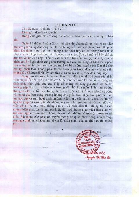 Siêu thị gửi thư xin lỗi em học sinh bị đeo biển ăn trộm