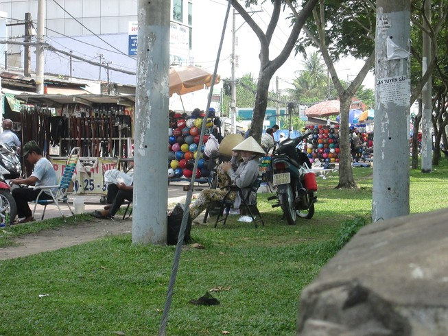 Những nhếch nhác ở một công viên